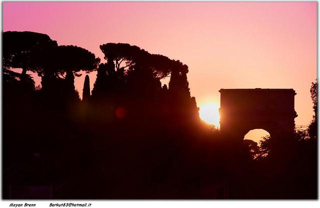 roma tramonto arco tito colosseo fori romani