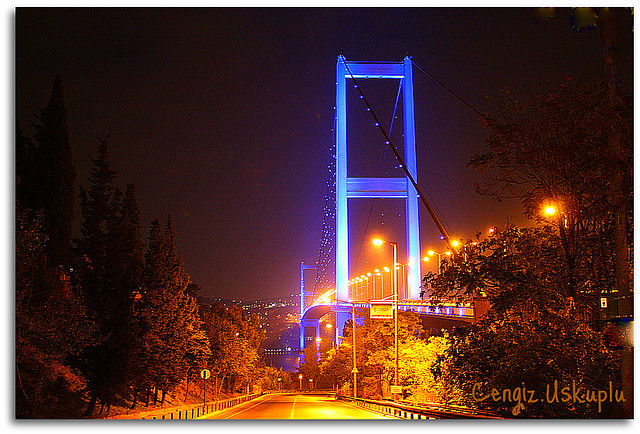 Istanbul ponte notturno