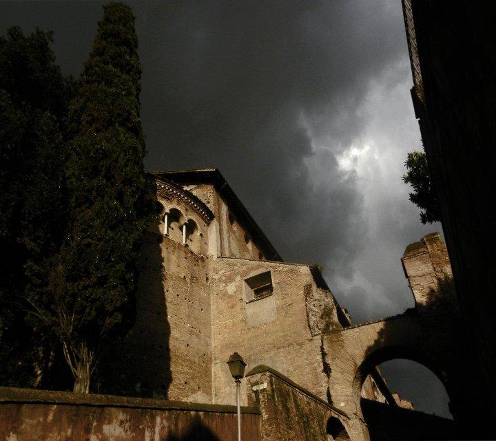Roma cielo tempestoso