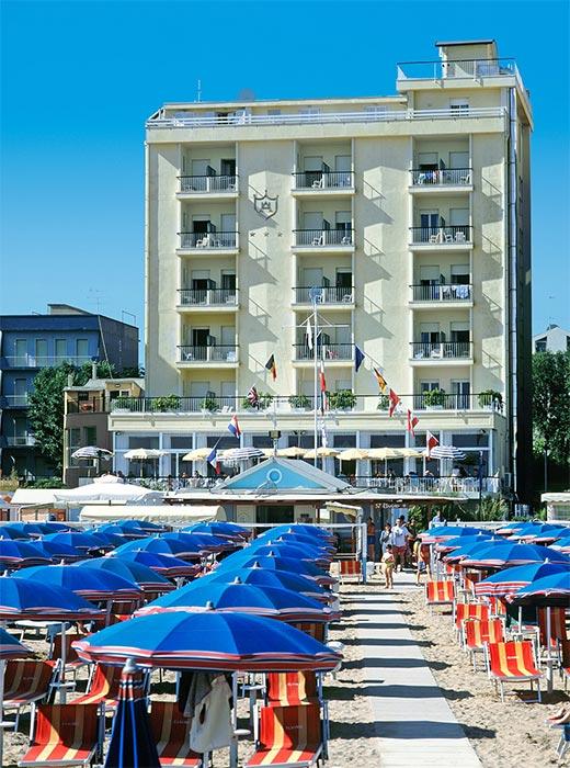 Hotel Astoria dalla spiaggia
